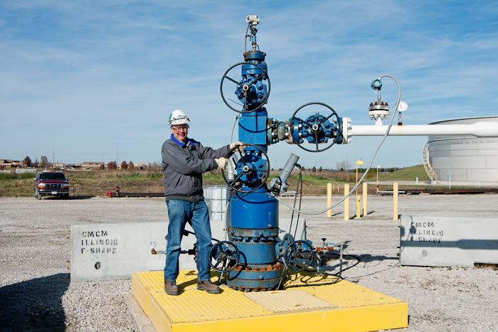 IBDP director Robert Finley turns the main carbon dioxide valve (Photo: Daniel Byers, Illinois State Geological Survey)