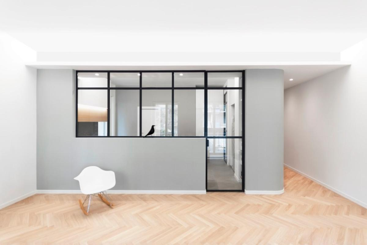 Italian architectural studio Plus Ultra has recently transformed a modest 135 sq m (1,453 sq ft) apartment into a four bedroom, three bathroom family home