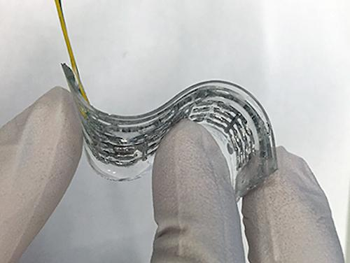 The NC State team's device containsa liquid metal mix called EGaln, which can efficientlyconduct energy and even self-heal