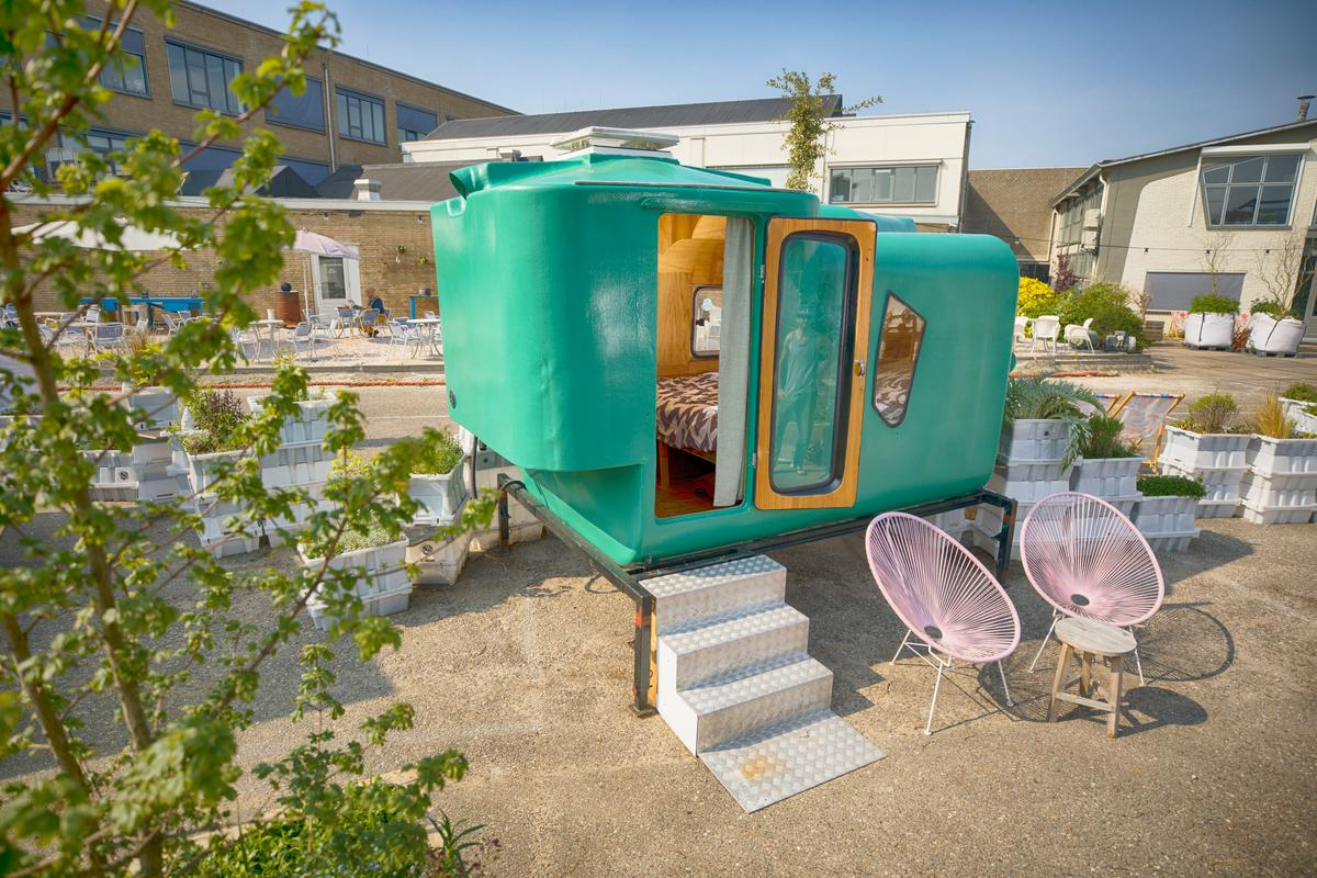 Little Pea is made from discarded animal feed silos and was originally meant to be attached to a pickup truck. The shelter is one of many that form the Culture Campsite in Rotterdam, the Netherlands, and was designed by MUD Projects