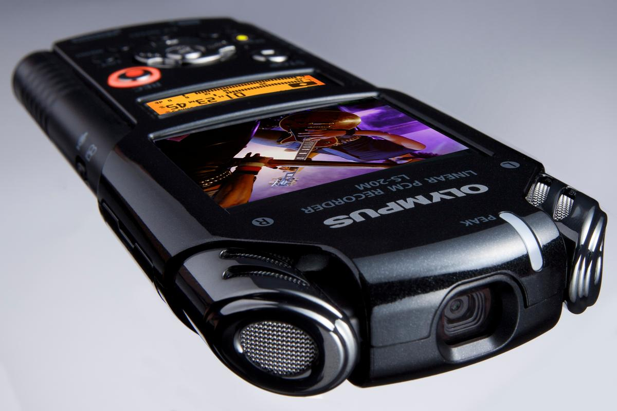 Olympus has given its Linear PCM audio recorder full 1080p video capabilities in the shape of the new LS-20M