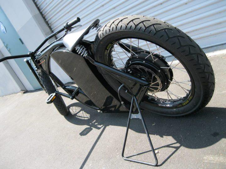 The M-1 features a mixture of motorcycle, bicycle, and custom-made components
