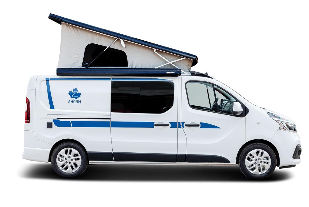 The Van Big City gains 40 cm of length versus the Van City, enough to add in a fixed floor plan with rear corner bathroom