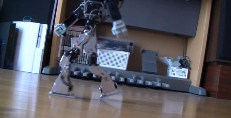 "Masahiko Yamaguchi's modified KHR-3HV humanoid walks more like a human – note the trailing leg lifts off at its ""toes"""
