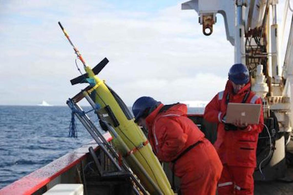 Oceanographers run through a series of tests in preparation to deploy one of the ocean gliders (Photo: Caltech)