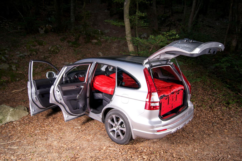 The SwissRoomBox EasyTech set up for sleeping in a Honda CR-V