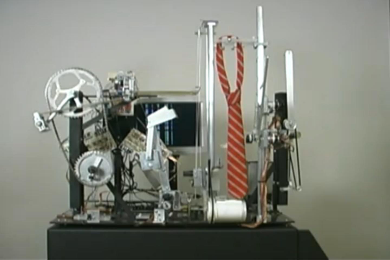 Seth Goldstein's tie-tying robot