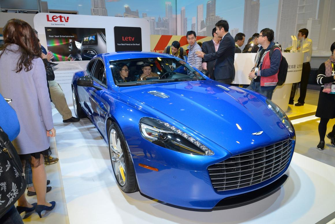 LeTV and Aston Martin present a digital Rapide S cockpit