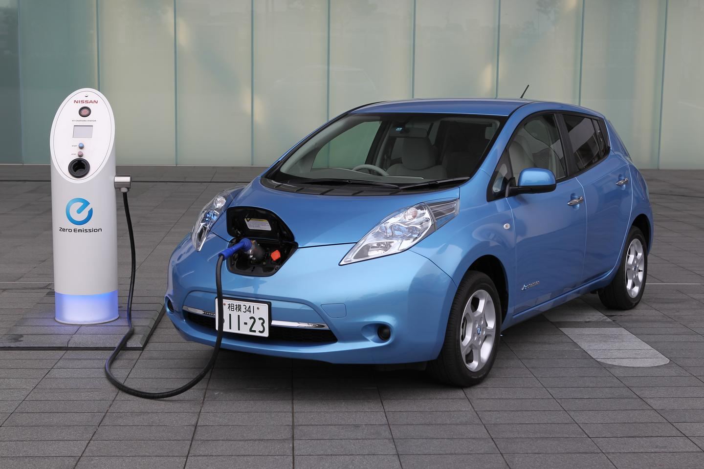Nissan has developed an experimental system that can fully charge an EV battery in just ten minutes (existing commercial charger is pictured)(Photo: Nissan)