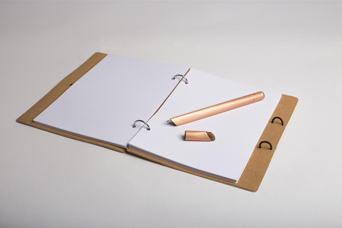 The Orée Stylograph records the user's writing or drawing on its internal storage