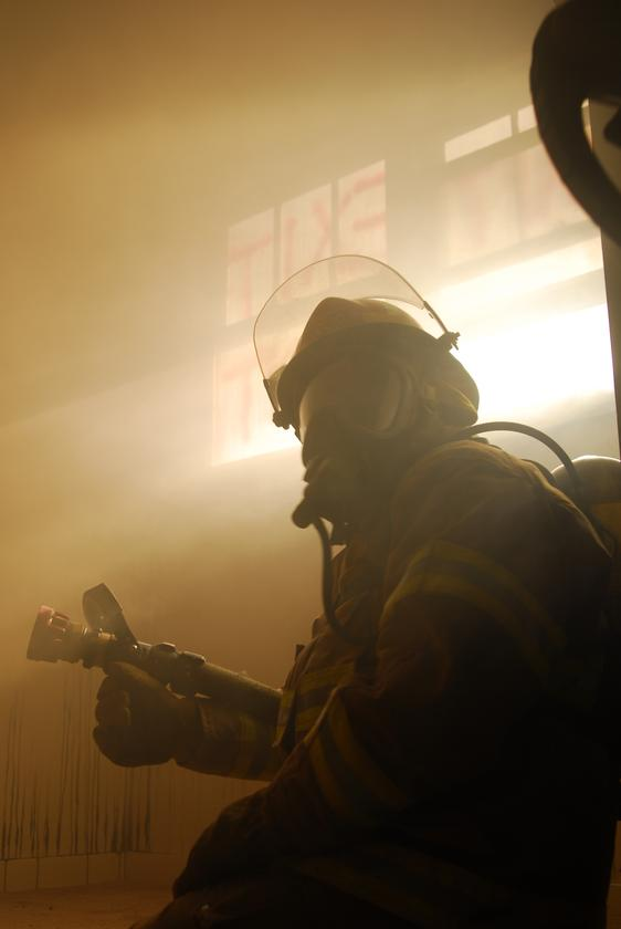 A firefighting helmet that incorporates ultrasound and vibrational forehead pads could help firefighters find their way in smoky environments (Photo: Shutterstock)
