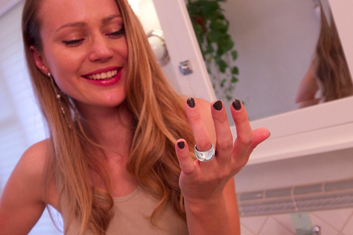 The Mota Smart Ring delivers smartphone notifications to your finger