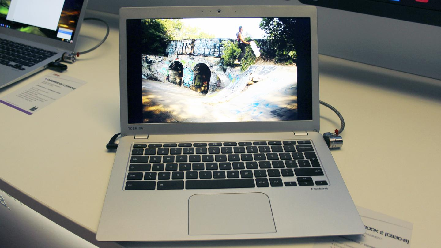 Toshiba's Chromebook 2 keeps the 13.3-inch display, but ups the resolution to 1080p on the premium model (Photo: Gizmag.com)