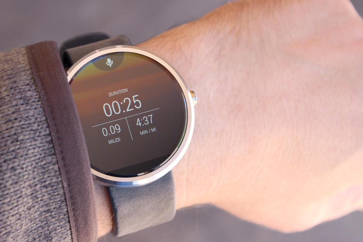 Android Wear's stock functionality is a good starting point, but dig a little deeper and it has a lot more to offer (Photo: Will Shanklin/Gizmag.com)