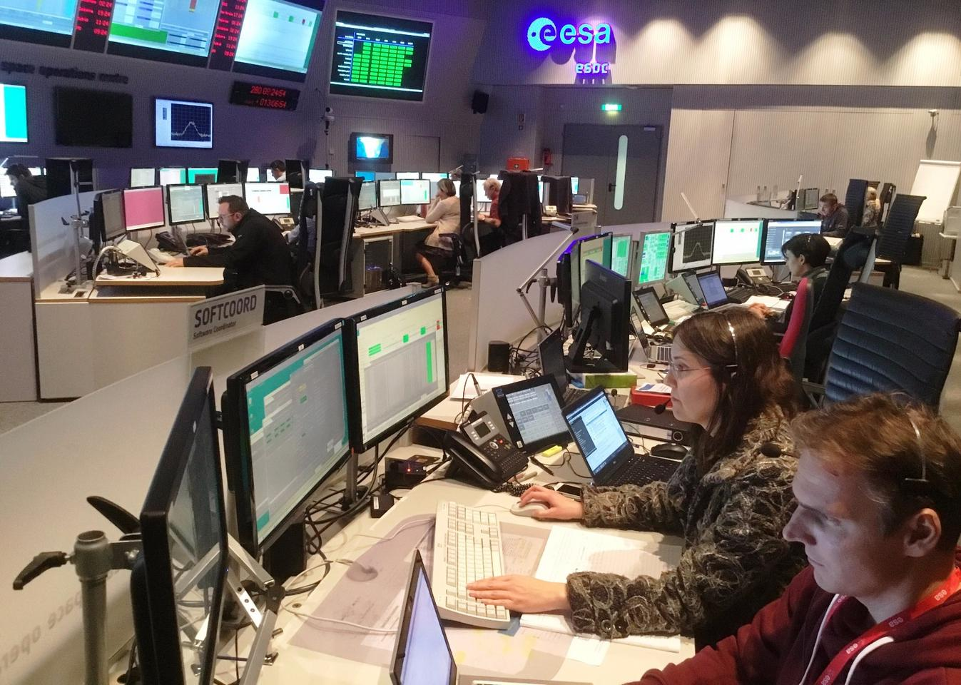 Mission control sent Schiaparelli its final landing instructions