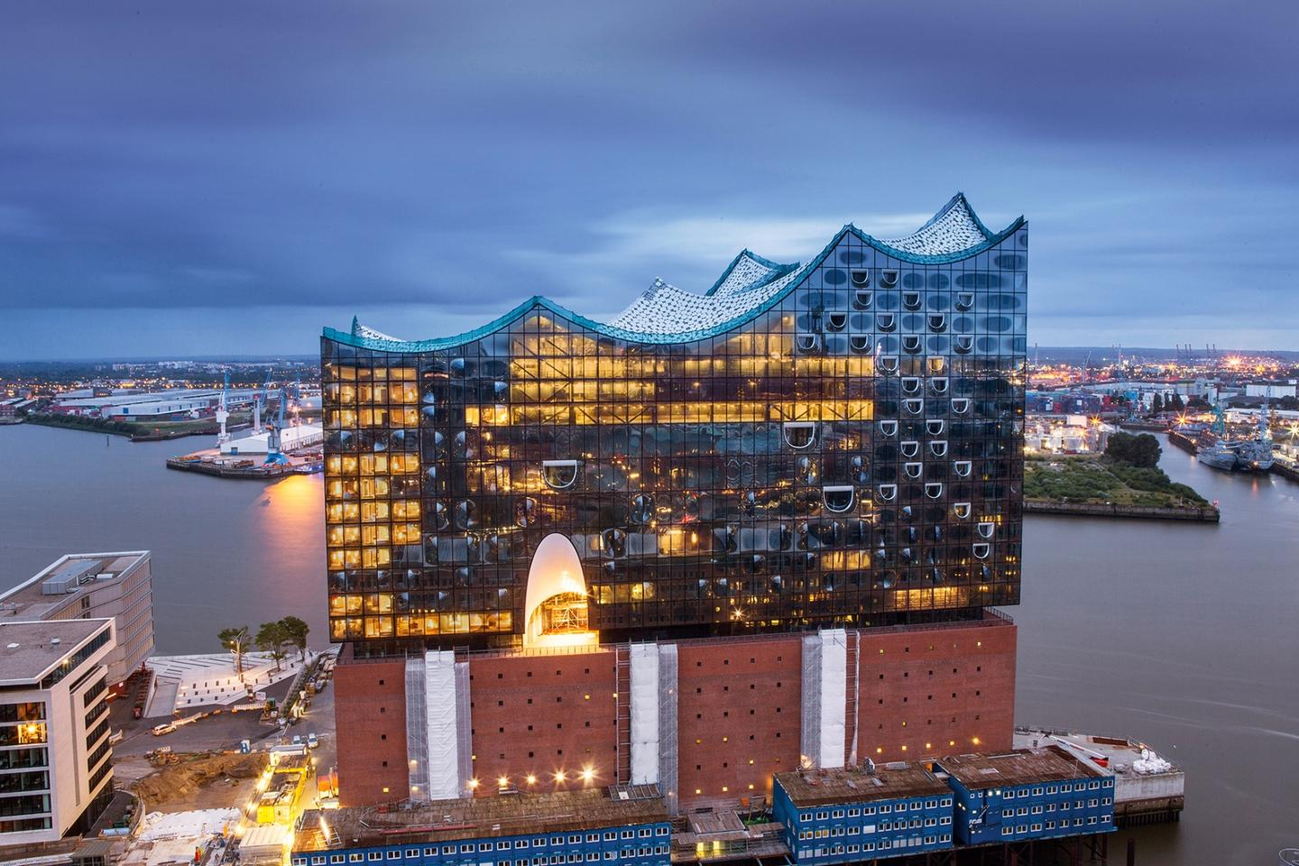 The Elbphilharmonie is located on the banks of the river Elbe in the HafenCity quarter of the Hamburg-Mitte district