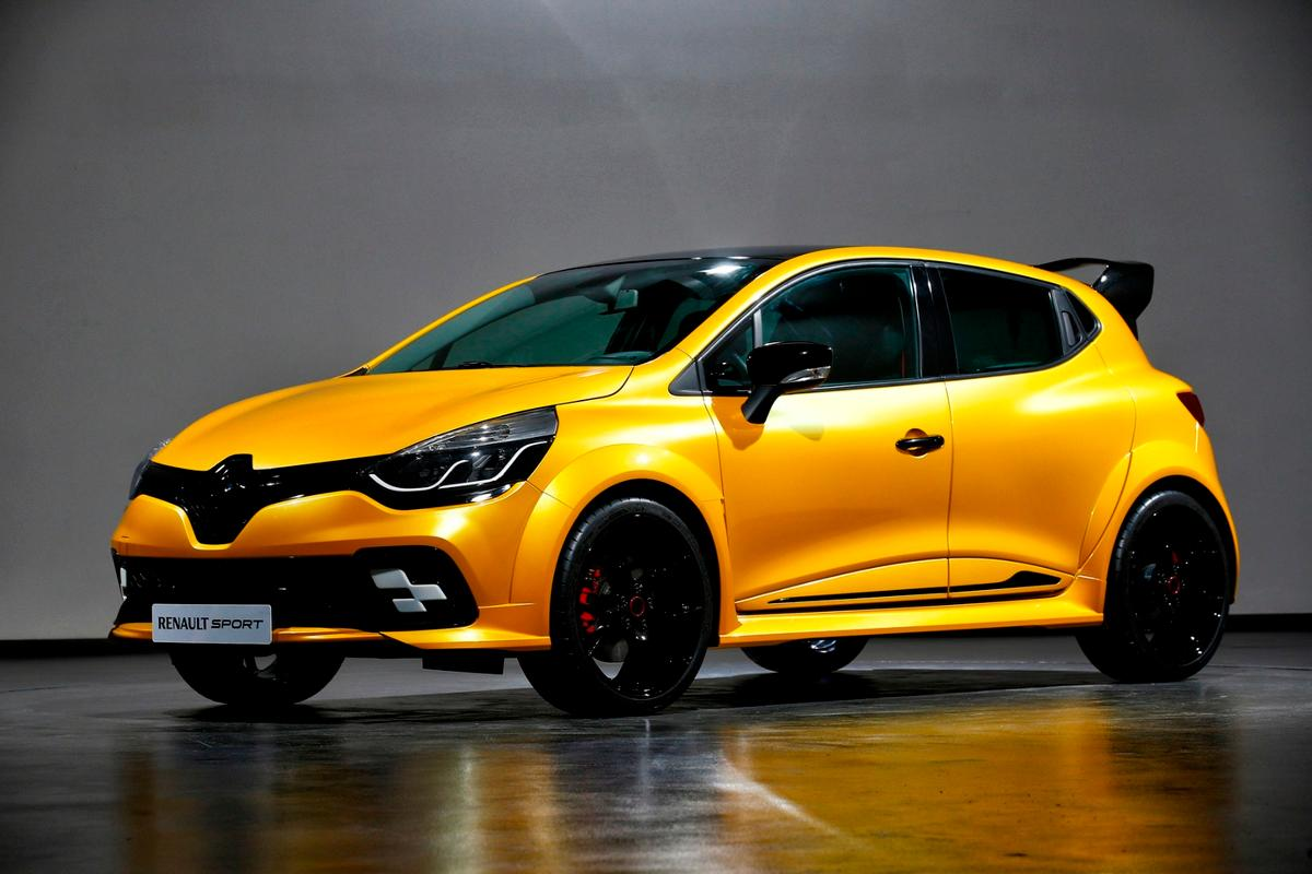 The Clio R.S. 16 is based on a Clio R.S.