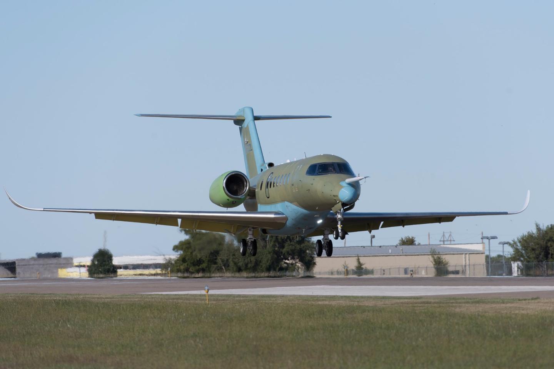 Cessna Citation Longitude taking off on its maiden flight