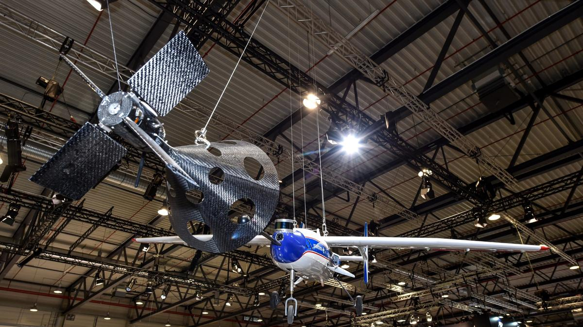 Example of what the DLR's rocket-catching aircraft might look like