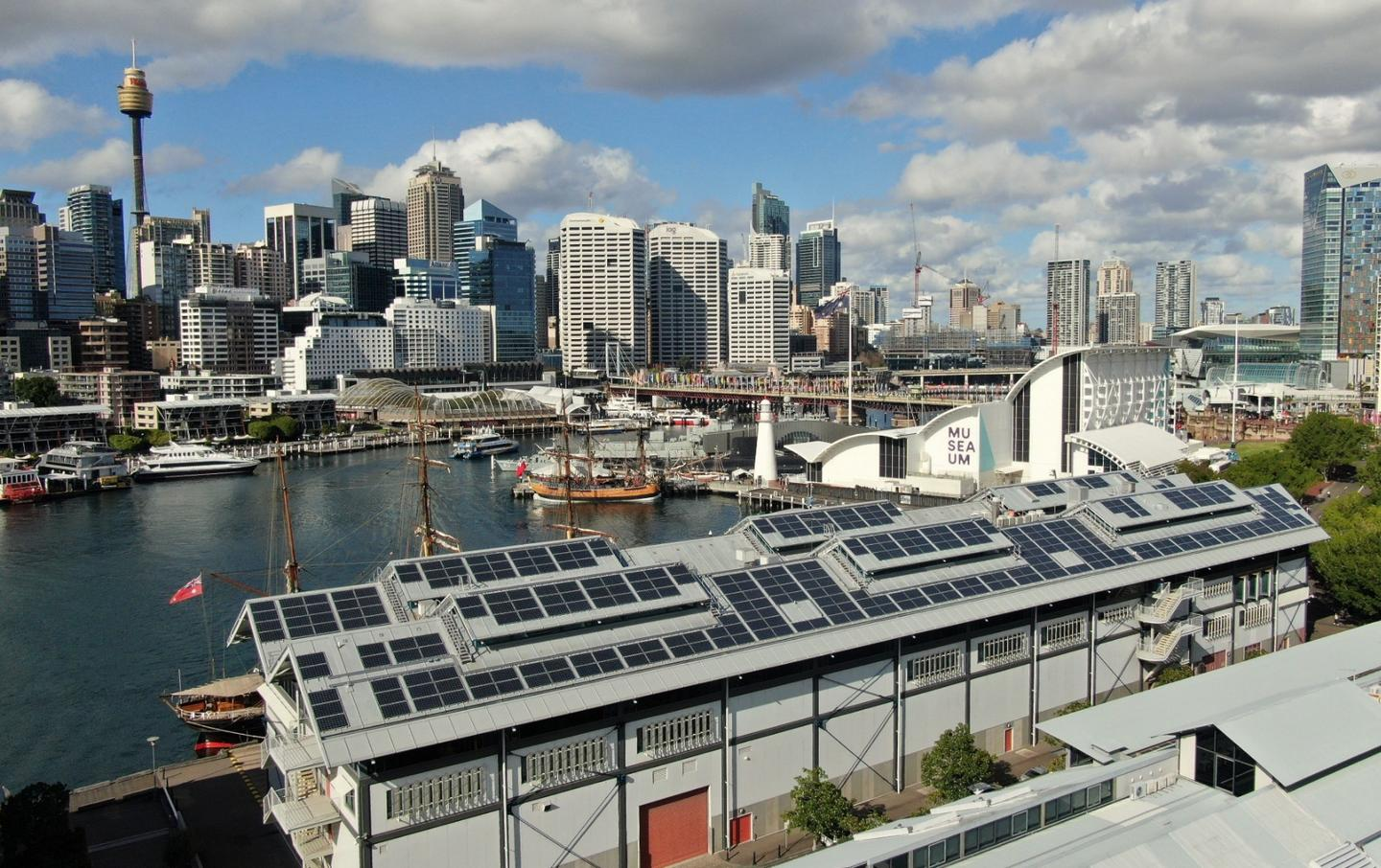 The 235-kilowatt, 812-panel, rooftop solar installation at theAustralian National Maritime Museum is the largest lightweight solar roof in the country