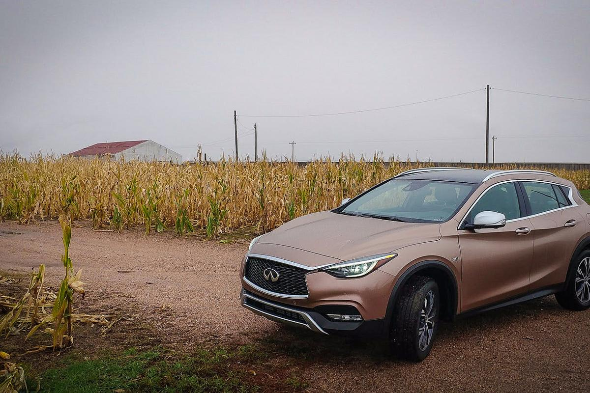 Infiniti QX30: sporty drive with wagon-like versatility and the compact size of a city vehicle