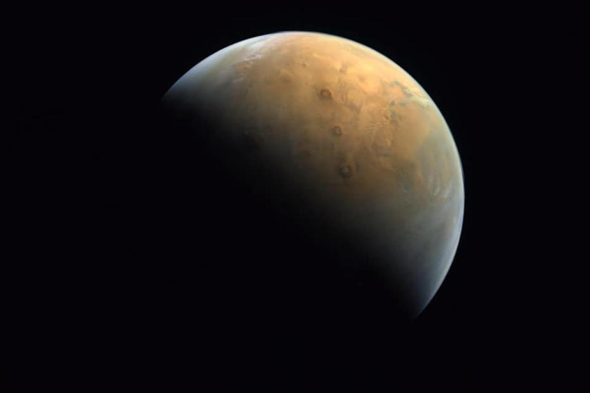 The UAE's Hope probe has sent back its first picture of the Red Planet