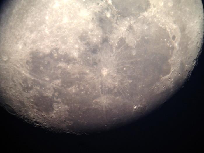 A Snapzoom photo taken through a telescope