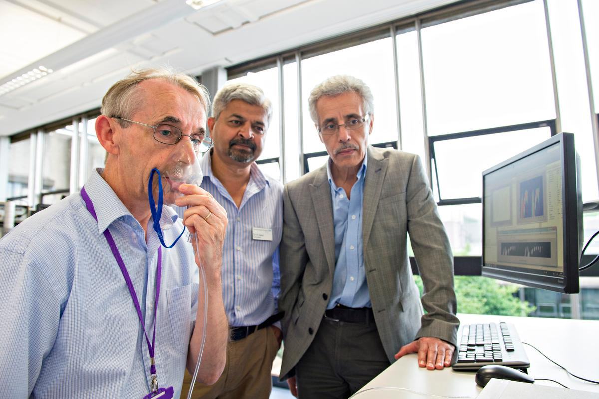 Loughborough researcher Dr. David Kerr (with Dr. Atul Gaur and Dr. Kaddour Bouazza-Marouf) uses the AAC