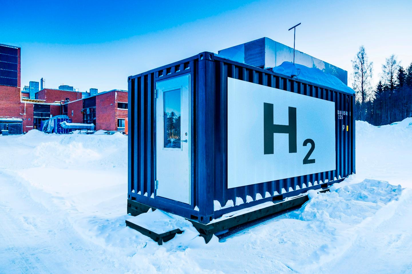 Hydrogen storage for the Ineratec system designed to convert CO2 from the air into liquid fuels