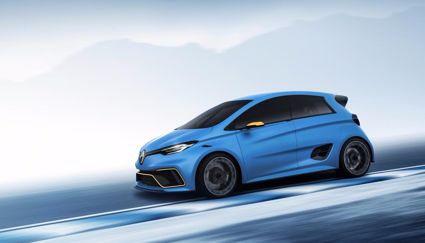The Renault e-Sport Zoe has a wider body than the standard car