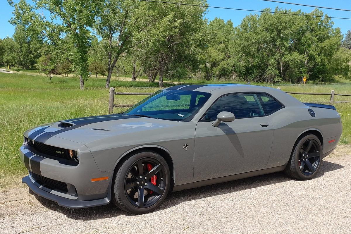 Review A Week With The Monstrous 2017 Dodge Challenger Srt Hellcat