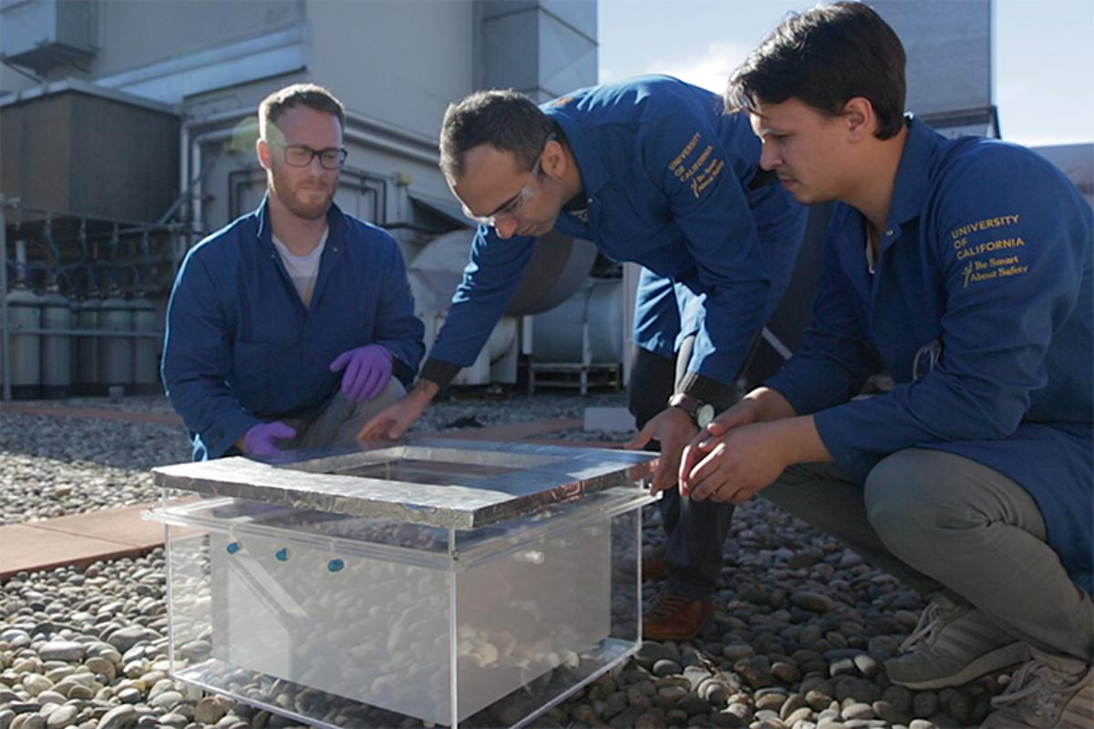 Researchers at UC Berkeley test a device that can pluck drinkable water from the air