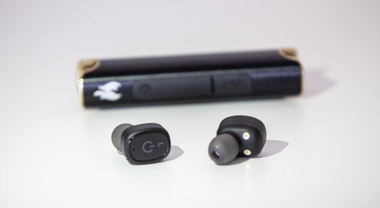 xFyro xS2: waterproof wireless earbuds