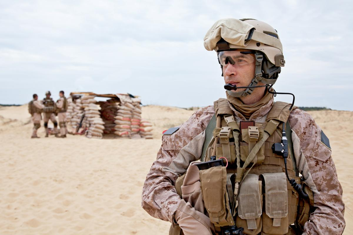 Scientists are developing breathable military uniforms that can also repel toxic substances, when needed (Photo: Shutterstock)