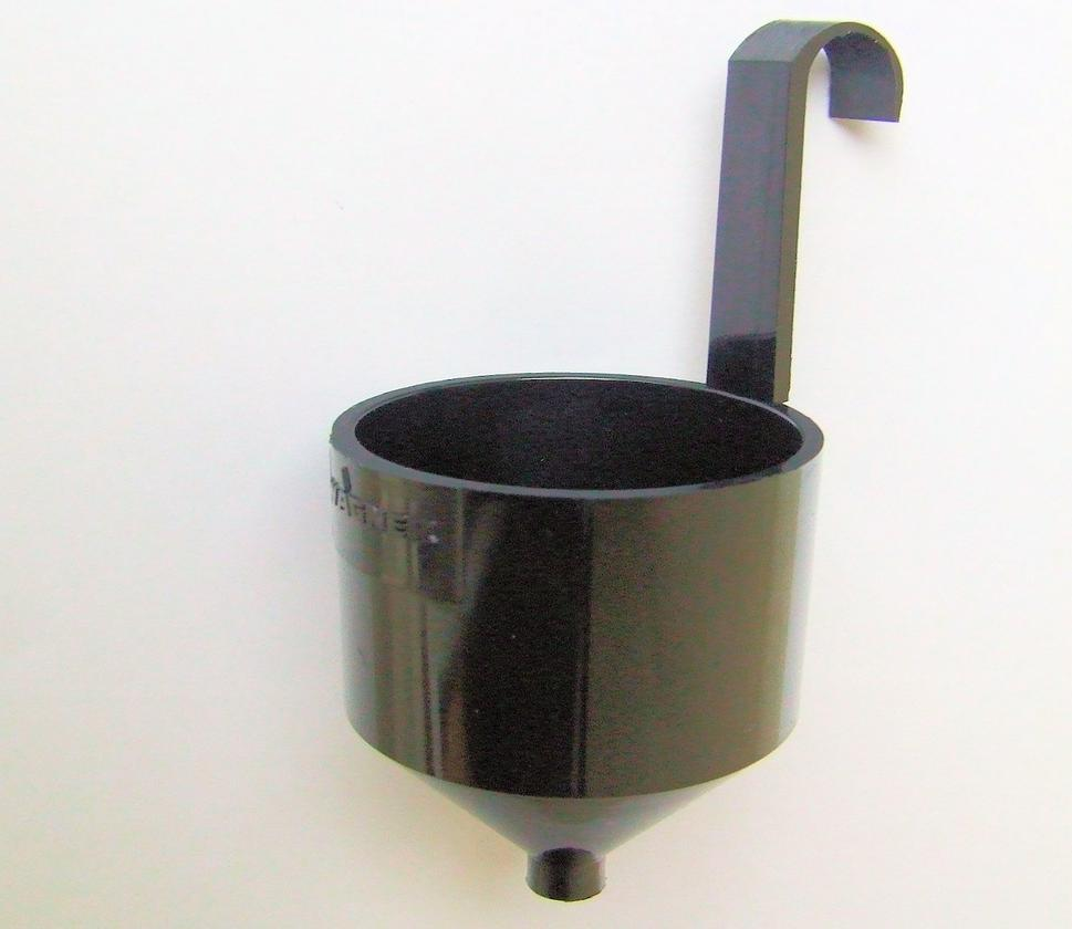 An example of the Ford viscosity cup as used to measure the viscosity of paints and other fluids that flow readily (Photo: Dariusa.Biegacz via Wikipedia)