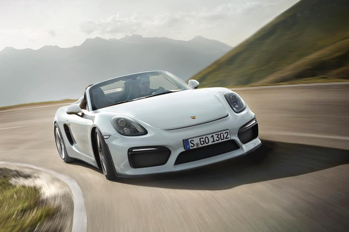 The 2016 Porsche Boxster Spyder has a performance-minded design