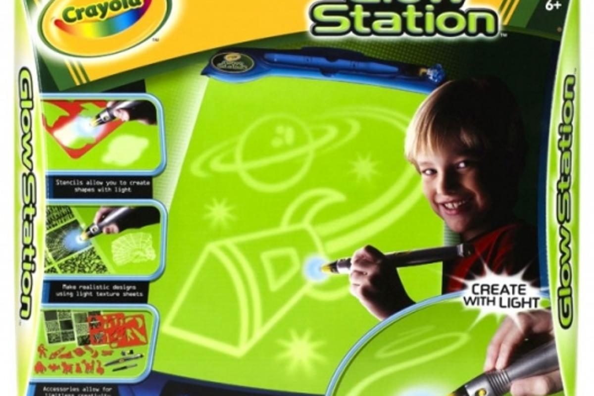 Crayola Glow Station