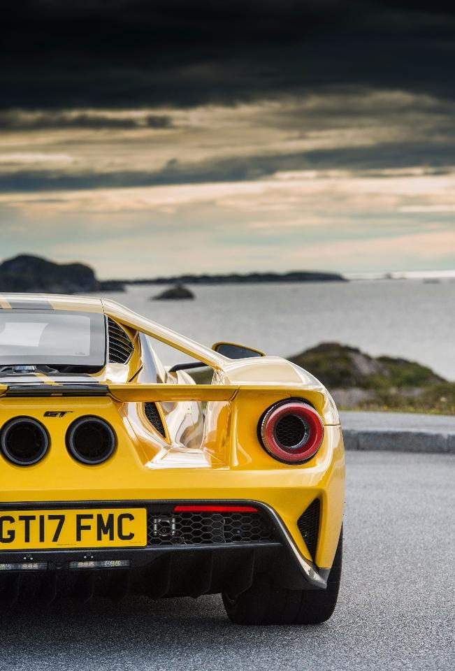 The Ford GT looks over the Atlantic Ocean