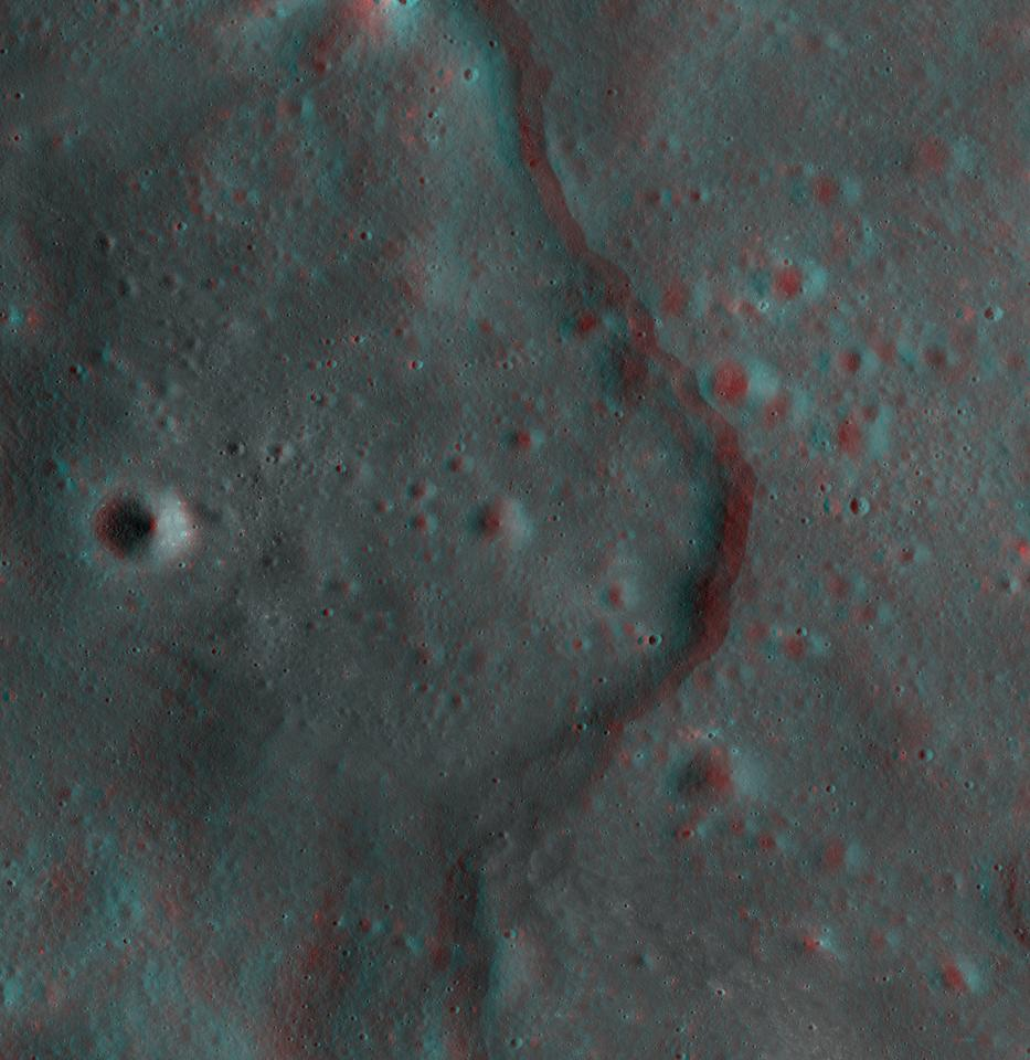 Lobate scarps (a type of cliff) on the moon can be viewed in 3D thanks to NASA's LRO (Photo: NASA/Goddard/Arizona State University)