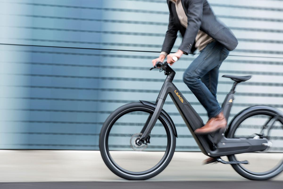 Armin Oberhollenzer's Leaos 2.0 Carbon City Design e-bike