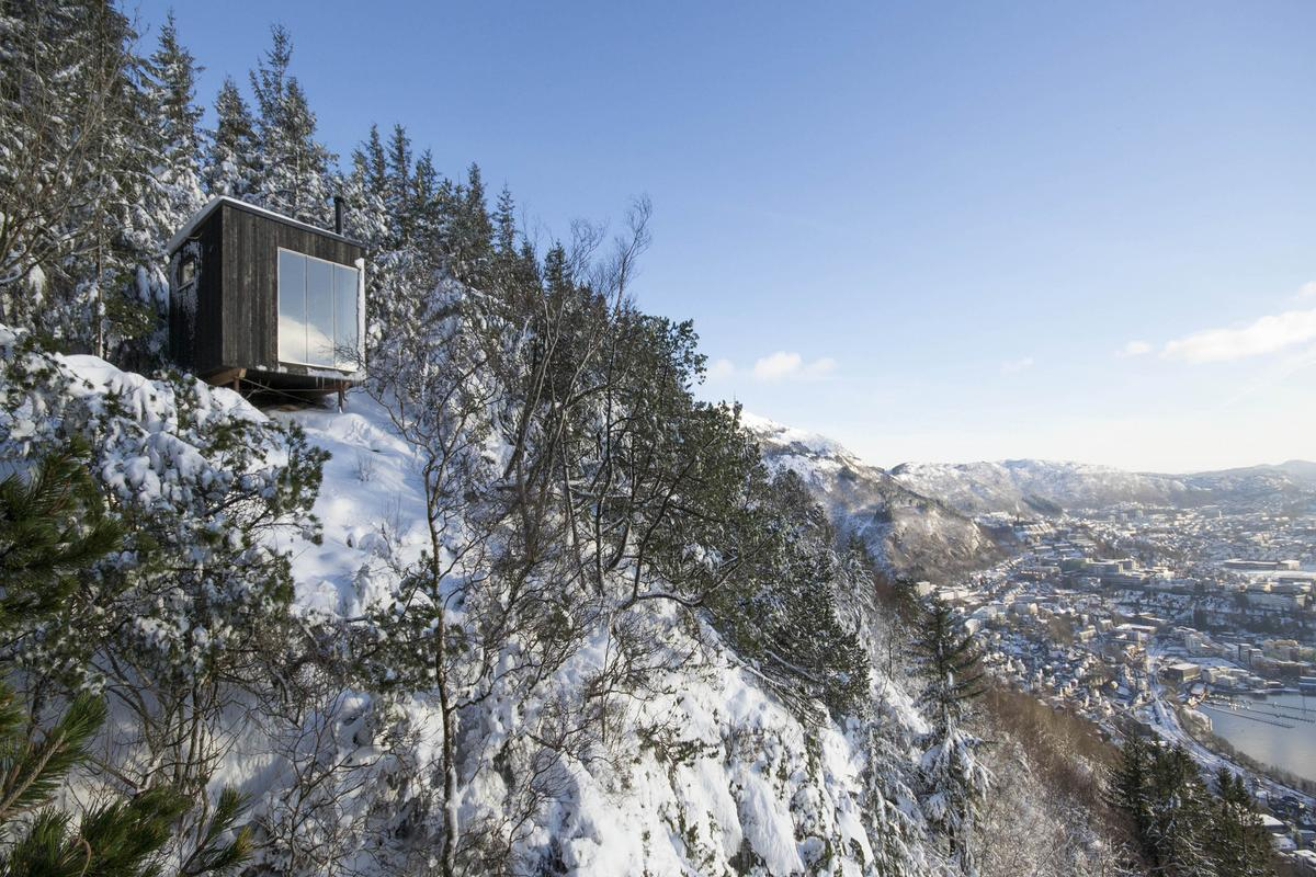 The shelter sits in the mountains of Bergen, Norway (Photo: Gunnar Sørås)