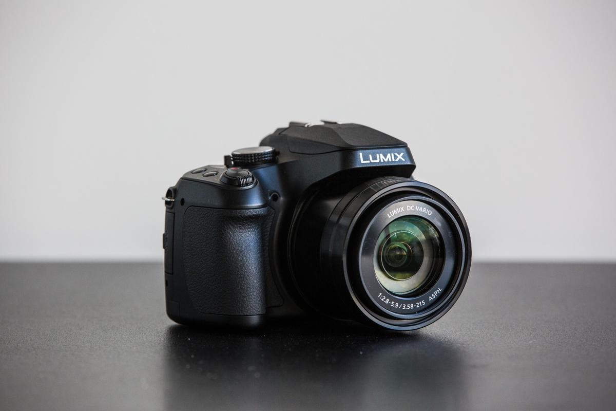 Panasonic DC-FZ80:the 35mm equivalent of a 20-1200mm lens. Yeah, that's crazy.