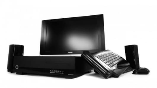 The Maingear Axess-HD Gamer for living room fragfests