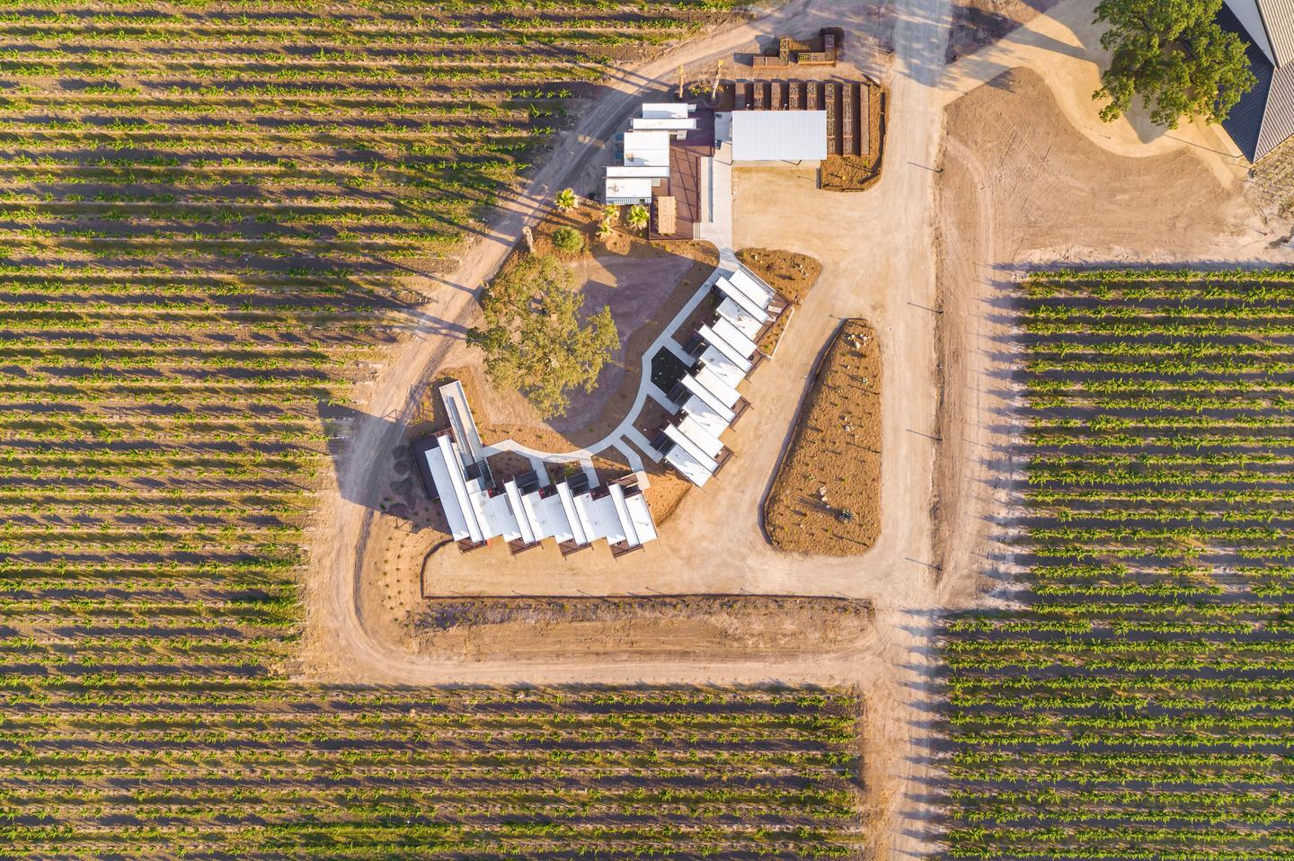 The Geneseo Inn is situated among 145 acres (58 hectares) of rolling vineyards in central California