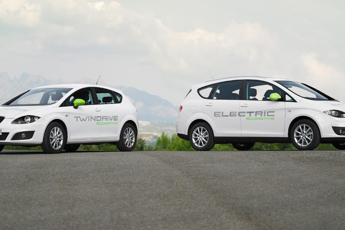 SEAT's electric vehicle prototypes: the Leon TwinDrive Ecomotive plug-in hybrid (left) and Altea XL Electric Ecomotive (right)