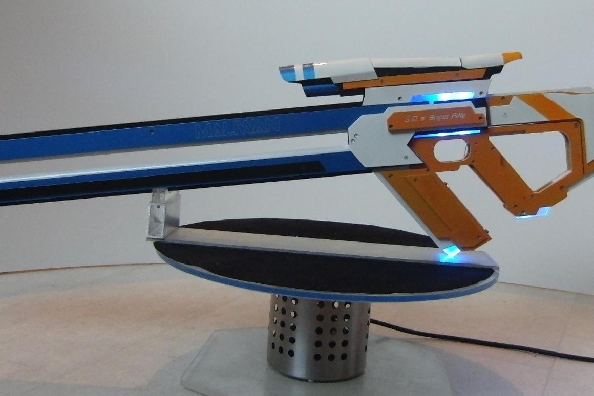 The cyberpunk-esque Borderlands rifle