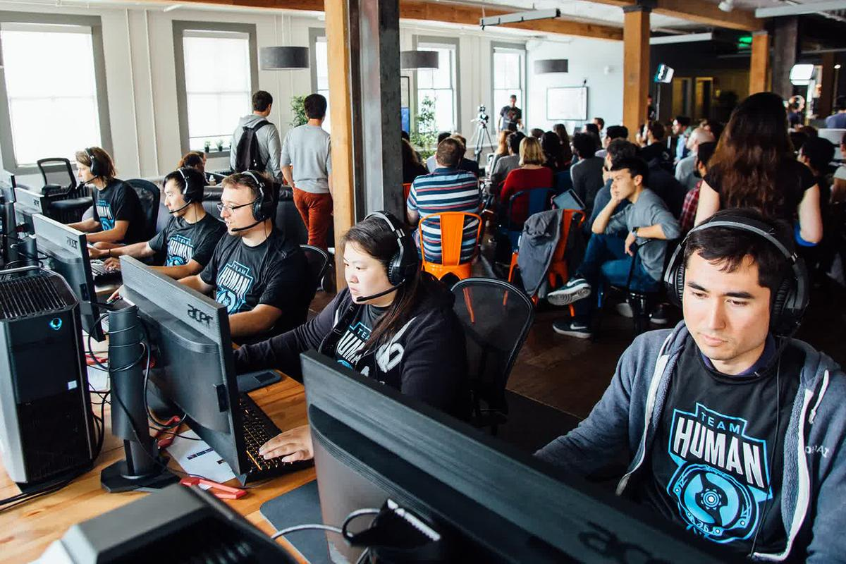 Human players battling the OpenFive AIteam