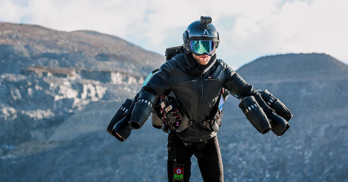 Real-life Iron Man Richard Browning flies his Gravity jet suit up Europe's longest zip line