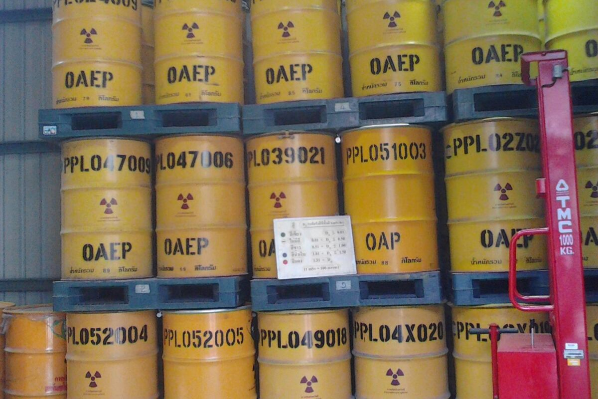 Stainless steel may not be the best choice for the long-term storage of nuclear waste