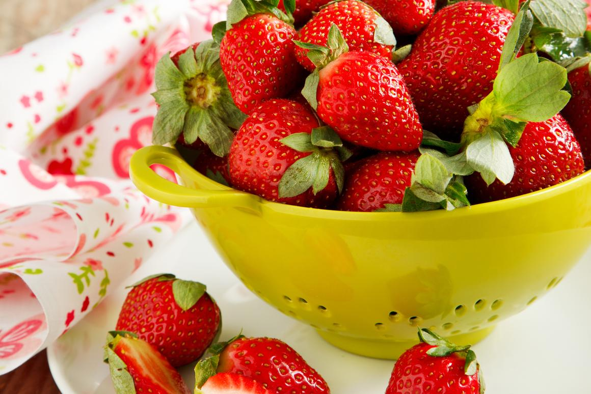 Selective UV light keeps beautiful, lush strawberries that way even longer (Photo: Shutterstock)